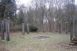"""Werner Ruhnaus Grabstelle in der Künstler-Nekropole-Kassel hat er vieldeutig""""Spielraum"""" genannt"""