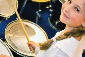 Eine gute akustische Gestaltung von Kitas trägt wesentlich dazu bei, optimale Bedingungen zu schaffen, um Gesundheit und Leistungsfähigkeit von Kindern und ErzieherInnen zu fördern