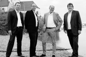 """<div class=""""fliesstext_vita"""">Das Kölner Büro JSWD Architekten besteht seit dem Jahr 2000. Mit einem kleinen Team gestartet, leiten die vier Gesellschafter Olaf Drehsen, Jürgen Steffens sowie die Brüder Konstantin und Frederik Jaspert (von rechts nach links) heute ein Unternehmen mit mehr als 50 Mitarbeitern. Drei- bis zehnköpfige Teams bearbeiten Projekte im In- und Ausland.<br />Die vier Partner stammen vom Rhein und von der Mosel, alle vier begannen ihre Architektenlaufbahn an der RWTH Aachen. Die Büros von Günter Behnisch sowie von Meinhard von Gerkan und Volkwin Marg (gmp) bildeten prägende Etappen, es folgten Lehrtätigkeiten sowie die Gründung eigener Büros. Aus ihnen ging das Büro JSWD Architekten hervor.</div>"""