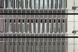 Je nach Winkelstellung geben die Lamellen dem Q1 eine andere Fassade<br />