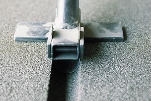 Mit Spezialwerkzeug lassen sich unkompliziert Aussparungen für Installationsleitungen herstellen<br />