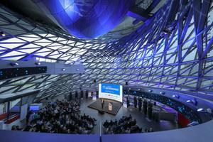 Der 2. Deutsche Fachkongress für Absturzsicherheit in der Münchner BMW-Welt