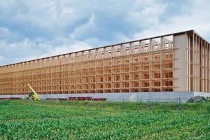 65570lfm Regalträger aus Brettschichtholz sind im ersten aus Holz gefertigten Hochregallager Deutschlands verbaut worden