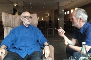 Wir sprachen mit Peter Zumthor am folgenden Tag und fuhren mit ihm über die SkulpturenProjekte; mit dem Fahrrad!