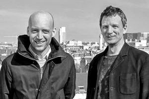 """<div class=""""fliesstext_vita""""><strong>51N4E</strong></div><div class=""""fliesstext_vita"""">v.l.: Johan Anrys, Freek Persyn</div><div class=""""fliesstext_vita""""></div><div class=""""fliesstext_vita"""">51N4E ist ein in Brüssel ansässiges Architekturbüro. 1998 von Johan Anrys und Freek Persyn gegründet, beschäftigt sich das Büro vorwiegend mit strategischen Raumtransformationen. </div>"""