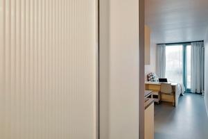 Das Preisniveau der Container-Apartments spiegelt mit einer Miete von etwa 450 Euro pro Einzelcontainer den Ansatz des kostengünstigen Wohnens nur bedingt wider, wobei der Preis eine Strom-, Heizungs-, Wasser-, Internetflat-rate beinhaltet