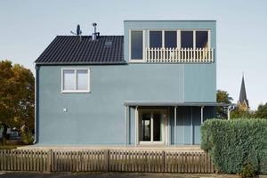 Ausgezeichnet: Kleines Haus Blau, Umbau/Neubau Einfamilienhaus in Hürth (Architekten: Jörg Leeser, Anne-Julchen Bernhardt; Bauherren: Sirit und Dirk Breuer)