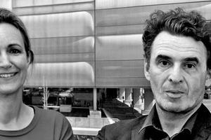 "<div class=""fliesstext_vita""><strong>Prof. Almut Grüntuch-Ernst</strong></div><div class=""fliesstext_vita""><br />Geb. in Stuttgart, Dipl. an der Uni Stuttgart, Architektur u. Stadtplanung. DAAD-Jahresstipendium an der AA, London, hier Mitarbeit bei Alsop &amp; Lyall. Seit 1991 gemeinsames Büro in Berlin mit Armand Grüntuch. Lehre 1993–97 an der HdK, Berlin, seit 2011 Prof. an der TU Braunschweig</div>"