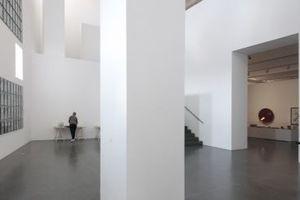 Foyer Museum am Ostwall, Ebene 4 und Aufgang zur Ebene 5