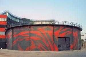 Gasometer am Hans-Otto-Theater, Potsdam, 2006, Malerei von Markus Böhm