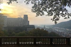 Aussicht vom Heidelberger Schlossgarten über die traditionsreiche Universitätsstadt