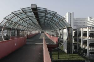 Neuer Zugang mit Straßenbahnanschluss aus den letzten Jahren (Köpke)