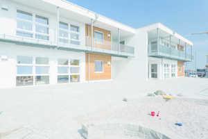 """<div class=""""13.6 Bildunterschrift"""">Die Kita in der Gemeinde Weissach ist nicht als modulares Gebäude erkennbar, die Vorfertigung von ALHO ermöglichte allerdings eine Bauzeit von nur 13 Wochen. Durch die vollständige Rezyklierbarkeit ist eine besonders hohe Nachhaltigkeit gewährleistet</div>"""