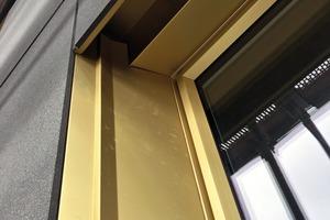 """<div class=""""6.6 Bildunterschrift / Herstellerangaben"""">Die Fensternischen sind in Aluminium eingefasst. Deutlich zu erkennen ist hier die nur 30mm dicke Vorsatzschale</div>"""