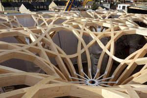 Holzstruktur von Design-to-Production der Cambridge Mosche (Marks Barfield Architekten)