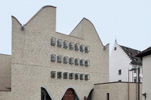 Hier stand mal eine Kirche: heute steht dort der multifunktionale Erschließungsbau