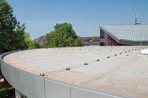 Neben der technischen Funktion sind Dachrandprofile auch unter gestalterischen Aspekten zu verwenden