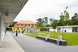 """Blick in den """"Wald"""" der Eugen-Neter-Schule, Mannheim (Arch.: harris + kurrle architekten bda, Stuttgart)<br />"""