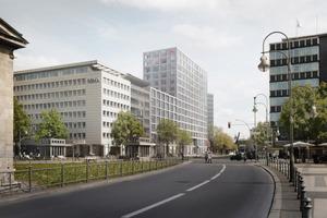 Die seitlichen Gebäudeteile in der Kleiststrasse und Keithstrasse übernehmen die Traufhöhen der lagetypischen, angrenzenden Nachbarbebauungen