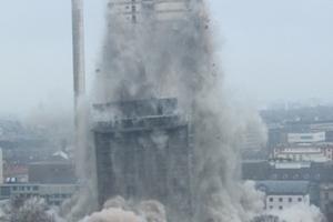 Danach fällt der Gebäudekern