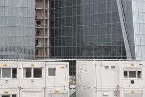 Ostansicht über eines der Baucontainerdörfer hinweg