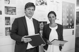 DIe Preisträgerin Katharina Oertel mit Gerhard G. Feldmeyer, geschäftsführender Gesellschafter der HPP GmbH + Co. KG und Mitglied im Kuratorium der Stiftung