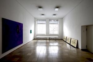 Ausstellung im EG, Fenster Richtung Garten. Die Fenster sollen möglichst erhalten werden
