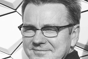 """<div class=""""autor_linie""""></div><div class=""""dachzeile"""">Autor</div><div class=""""autor_linie""""></div><div class=""""fliesstext_vita""""><span class=""""ueberschrift_hervorgehoben"""">Dipl.-Ing. Jürgen Hartleb </span>studierte Bauwesen an der BTU Cottbus und ist Fachingenieur für Fassaden. Seit 2006 ist er als Prokurist bei der NBK Keramik GmbH tätig. </div><div class=""""fliesstext_vita""""></div><div class=""""fliesstext_vita""""></div><div class=""""fliesstext_vita""""></div><div class=""""fliesstext_vita""""></div><div class=""""autor_linie""""></div><div class=""""fliesstext_vita"""">Informationen unter: www.nbk.de</div>"""