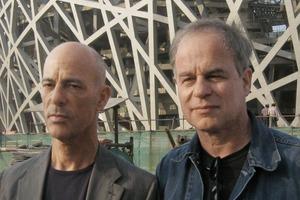 Noch lange zusammen: Jacques Herzog und Pierre de Meuron vor ihrem Bird's Nest in Peking