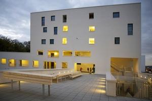 """Anerkennung: """"Jules et Jim"""", ein öffentlich geförderter Wohnungsbau mit Kindertagesstätte in Neu-Ulm der Architekten Jens Metz und Holger Kleine aus Berlin"""