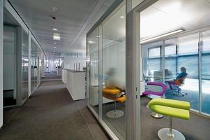 Alle Materialien des Vodafone Campus sind in einem Umkreis von 800km zu finden. Zudem bestehen die meisten Produkte zu 20% aus Recyclingmaterial – das schreibt die LEED-Zertifizierung vor