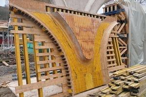 Schalung der Stützenkonstruktion
