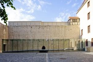 Der gläserne Verbindungsbau verbindet Kornhaus mit seinem zentralen Empfang und Schloss miteinander