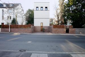 """Ein paar Meter weiter vom Galerie- und Atelierhaus: Das """"Haus Hundertacht"""" (Bonn, 2000-2007)"""