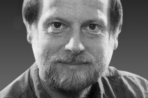 """<div class=""""autor_linie""""></div><div class=""""dachzeile"""">Autor</div><div class=""""autor_linie""""></div><div class=""""fliesstext_vita""""><br /><span class=""""ueberschrift_hervorgehoben"""">Dip.-Ing. Martin Schnauss, Berlin<br /></span>Der Autor studierte Elek-trotechnik und befasst sich seit 25 Jahren mit Erneuerbaren Energien/ Solartechnik. Neben der Entwicklung von Solarprojekten wirkt er als Fachbuchautor in einschlägigen Publikationen mit. Seit 2004 ist er als Energieberater tätig.</div><div class=""""fliesstext_vita""""></div><div class=""""fliesstext_vita"""">Der Text erschien in der Originalfassung im BINE-Themeninfo """"Große Solarwärmeanlagen für Gebäu-de"""". Der BINE Informationsdienst informiert über Entwicklungen der Energieforschung und praktische Anwendung effizienter Energietechniken.</div><div class=""""autor_linie""""></div><div class=""""fliesstext_vita""""><span class=""""ueberschrift_hervorgehoben"""">Informationen:</span> <a href=""""http://www.bine.info"""" target=""""_blank"""">www.bine.info</a></div>"""