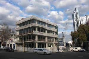 """Das """"nackte"""" Gebäude während der Bauphase - ohne die charakteristische Fassade<br />"""