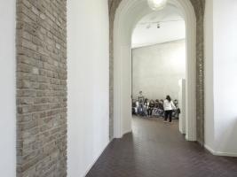 Altbaugalerie am neuen, überglasten Binnenhof