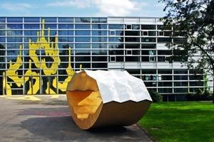 AKA-Wippe auf dem Gelände der Akademie der Bildenden Künste Stuttgart<br />