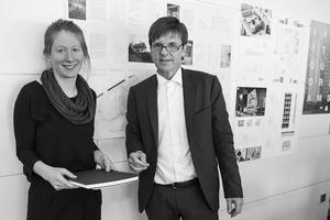 DIe Preisträgerin Katrin Recker mit Gerhard G. Feldmeyer, geschäftsführender Gesellschafter der HPP GmbH + Co. KG und Mitglied im Kuratorium der Stiftung