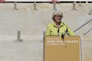 Monika Grütters, hier noch wohlgelaunt. Stunden später dann die Absage an ihr Projekt Einheits- und Freiheitsdenkmal vor dem Schloss durch den Deutschen Bundestag: zu teuer!