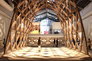 Der Goldene Löwe für den besten Beitrag auf der 15. Architekturbiennale geht an Gabinete de Arquitectura (Paraguay)