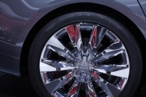 Audi ganz klassisch auf der IAA Frankfurt: Radkappenpräsentation