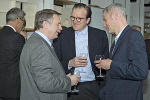 Rektor Prof. Eberhard Becker, Prof. Christoph Mäckler und Prof. Wouter Suselbeek auf der Eröffnungsfeier des Instituts