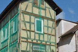 Aufgrund der maroden Bausubstanz, war ein Abriss des bestehenden Gebäudes notwendig. Jedoch ergaben sich daraufhin statische Herausforderungen
