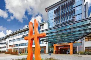 """<div class=""""13.6 Bildunterschrift"""">In der Radiologieabteilung des Osnabrücker Marienhospitals versorgen zwei X-CUBEs Patienten und Mitarbeiter mit jeweils </div><div class=""""13.6 Bildunterschrift"""">5000 m³/h</div>"""