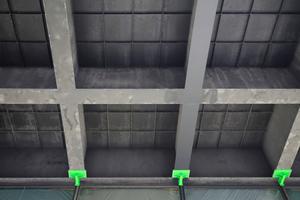 Im Vorfeld der Scheibendemontagen wurden die Stahlelemente der Fassade zusätzlich gesichert