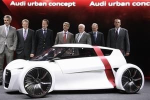 Biedere Männer-Prognose: Die Zukunft ist ein Auto!