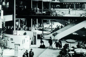 """""""Urban space for the suburban middleclasses"""", SouthdaleShopping Center, Foto ca. 1958"""