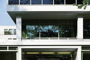 """<div class=""""13.6 Bildunterschrift"""">Neben der Revitalisierung des ehemaligen Konsulatgebäudes durch schneider + schumacher (siehe Fotos) wurden auf dem Gelände zwei Stadtvillen von Jo Franzke errichtet</div>"""