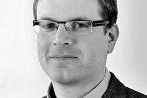 """<div class=""""autor_linie""""></div><div class=""""dachzeile"""">Autor</div><div class=""""autor_linie""""></div><div class=""""fliesstext_vita""""><span class=""""ueberschrift_hervorgehoben"""">Dipl.-Ing. Dipl-Wirt.-Ing. Stefan Brink</span> leitet gemeinsam mit seinen Brüdern Sebastian und Matthias das Familienunternehmen Richard Brink. Zusammen mit ihren Mitarbeitern entwickeln sie stetig neue Ideen für den Bereich der Entwässerungslösungen.</div><div class=""""autor_linie""""></div><div class=""""fliesstext_vita"""">Mehr Informationen: <a href=""""http://www.richard-brink.de"""" target=""""_blank"""">www.richard-brink.de</a></div>"""